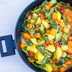 One-Skillet Mixed Vegetables- a delicious side dish with a mix of yummy summer veggies! #vegetablerecipe