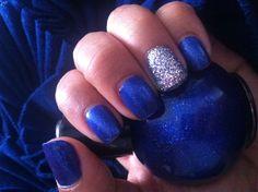 Royal blue & silver nails!
