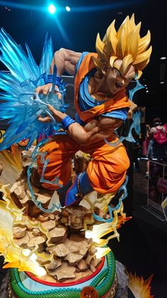 Otaku Anime, Action Toys, Action Figures, Ssj2, Dragon Ball Z, Bumblebee Transformers, Dbz Toys, Anime Figurines, Figurative Art