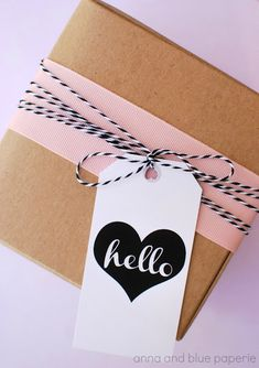 Hello love // Gift Tags - Free Printable #beautifulwrappingideas #prettygiftwrap