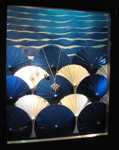 Jewerly Shop Facade Window Displays 64 New Ideas Visual Display, Display Design, Store Design, Shop Facade, Minion Pictures, Store Windows, Merchandising Displays, Window Design, Retail Design