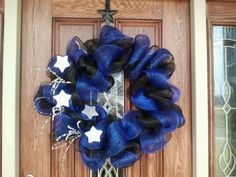 Thin Blue Line wreath... OMG I love this! May have to make this for police week!