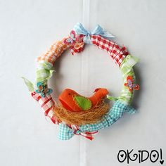 Such an adorable Kids' Wreath! More fun Kids' Art and Accessories in this Etsy shop!!
