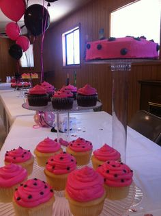 Hot Pink & Black Cupcakes and Cake!