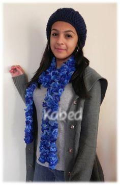 Gorro hecho a mano en crochet y bufanda hecha a mano en tricot o dos agujas