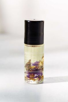 Petal Perfume Oil | Citrus, a clean + bright blend of forget me not, peach blossom and mandarin green tea.