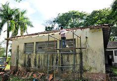 A Prefeitura, por meio da Secretaria Municipal de Agricultura e Abastecimento, iniciou a troca dos telhados da antiga escola do bairro rural de Pau D´Alho