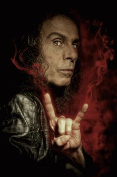 rapidfire35:Ronnie James Dio slav orim gif
