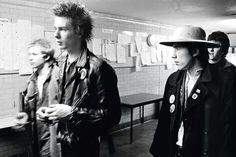 kick-you-in-the-brains: December 1977 - Brunel University, Uxbridge. 70s Punk, Punk Goth, Paul Simonon, Johnny Rotten, Joe Strummer, Morris, Music Pics, Tommy Lee, Nikki Sixx