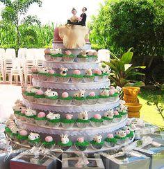 unique animal cupcake wedding cakes