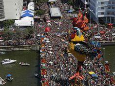 ACONTECE: Acompanhe as noticias do carnaval de Recife e Olin...