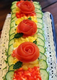 Bilderesultat for brauðterta uppskrift Sandwich Cake, Sandwiches, Sushi, Watermelon, Food And Drink, Meals, Fruit, Cooking, Ethnic Recipes