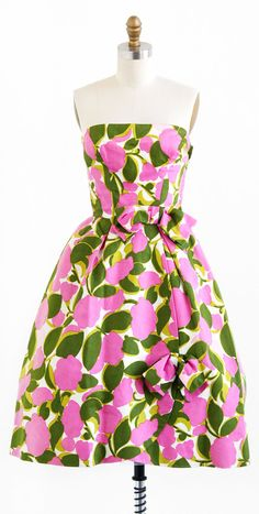 vintage late 1950s or early 1960s pink + green floral party dress | http://www.rococovintage.com
