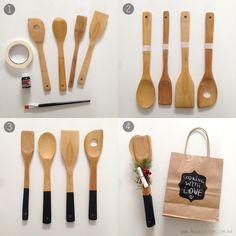 Presente de natal para quem adorar cozinha - talheres de madeira customizados, para escrever mensagens com giz depois.