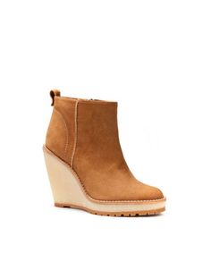 ANKLE CREPE WEDGE BOOT