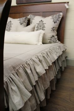 toile pillow shams with mitered contrast flange. designer