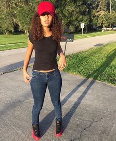 🌻lilgoldenbih🌻bombass curly hair and gots to stare😍 Swag Outfits, Dope Outfits, Cute Summer Outfits, Outfits For Teens, Spring Outfits, Casual Outfits, Fashion Outfits, Fashion Tips, Dope Fashion