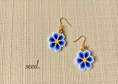 ビーズステッチのフラワーピアス 223 | seed. Bead Crochet Patterns, Seed Bead Patterns, Beading Patterns, Seed Bead Jewelry, Bead Jewellery, Seed Bead Earrings, Beaded Earrings Patterns, Iron Beads, Bracelet Crafts