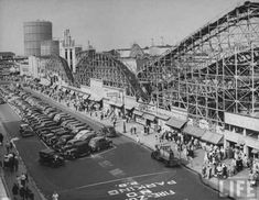 Coney Island back in the day--bumper cars, Tunnel of Love, Battaway. Vintage Glam, Vintage New York, Vintage Circus, Coney Island Amusement Park, Amusement Park Rides, Brooklyn New York, New York City, Brooklyn Girl, Old Pictures