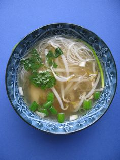 Au gré du marché: Bouillon vietnamien et sa soupe tonkinoise au poulet
