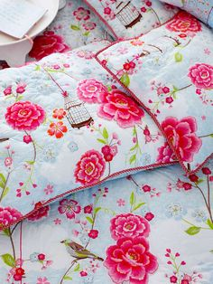pretty. flower. bed. want.