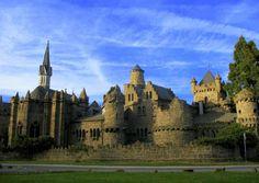 9° POSTO Castello di Löwenburg, Kassel, Germania LA SUA PARTICOLARITÀ: è la Disneyland del XVIII secolo