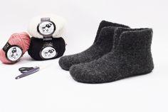 Gratis hækle opskrift på filtede / valkede futter / hjemmesko. Hælklede hjemmesko - futter -pusser - filtet pusser. Gratis opskrift Slippers, Felt, Knitting, Sewing, Crochet, Fashion, Threading, Moda, Sneakers