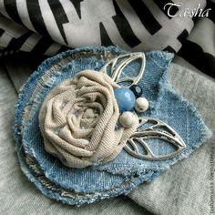"""Броши ручной работы. Ярмарка Мастеров - ручная работа """"Цветок в стиле джинс"""" бохо брошь. Handmade."""