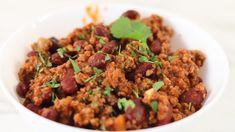 Eredeti chili con carne recept. Készíts egy jó csilis babot! Recept képekkel, érthető, részletes leírással és pontos mennyiségekkel. Chipotle, Fried Rice, Guacamole, Beef, Cooking, Ethnic Recipes, Food, Chili Con Carne, Red Peppers