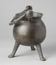 Philadelphia Museum of Art - Collections Object : Cooking Pot, 15th century, southern Netherlands in bronze.