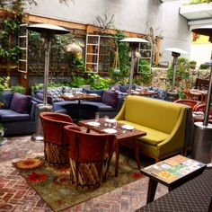 The laid back vibe of the indoor and outdoor Estrella Restaurant on the Sunset Strip.  The popular London Hotel is a block away. http://glitteratitours.com #GlitteratiToursLA