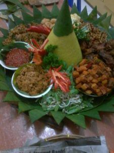 085692092435 Catering murah dan enak di jakarta, catering enak untuk acara di rumah: 0811-8888-516 Pesan Nasi Tumpeng Di Tanah Abang Ja...