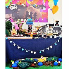Ainda do final de semana: mesa decorada por @piccolafavolafestas ! #mesasdecoradas #maymacarons #maymacarons #macaronsdecorados #3porquinhos #3litllepigs #infantil