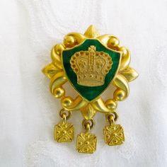 #VogueTeam #vintage #EtsyBot2 Crown Brooch Green Enamel with by VintageVogueTreasure