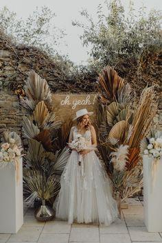 Wedding Backdrop Design, Rustic Backdrop, Floral Backdrop, Ceremony Backdrop, Backdrop Photobooth, Engagement Decorations, Wedding Flower Decorations, Diy Wedding Favors, Wedding Flowers