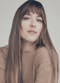 Dakota Johnson Hair, Dakota Johnson Style, Christian Grey, Kathleen Turner, Burgundy Lips, Star Beauty, Romantic Look, Dream Hair, Fifty Shades