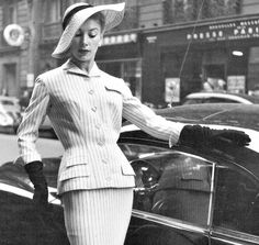 Geneviève Richard in Pierre Balmain, 1954