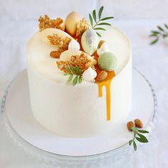 Cake Decorating Techniques, Cake Decorating Tips, Mini Cakes, Cupcake Cakes, Fruit Cake Design, Mango Cake, Gourmet Cakes, Dessert Decoration, Just Cakes