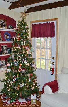 Exquisitely Unremarkable : Christmas Home Decor Tour