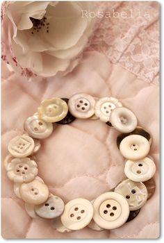 'Rosabella ~ la vie en rose': wenn ich alte Knöpfe sehe, kribbelt es mir in den Fingern ;-)