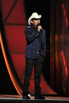 Your co-host Brad Paisley looking dapper in blue!