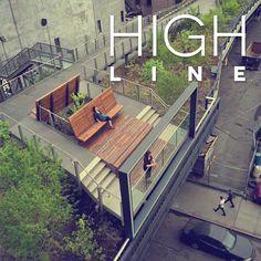 El High Line es un parque lineal de una milla, construido en una sección de 1.45 millas de la línea de ferrocarril de West Side, que corre a lo largo del lado de Manhattan. Las vías fueron rediseñadas y plantadas como una vía verde aérea.