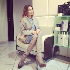 My new favorite on Insta! Masha Trotsko, Luxury Blog, Over The Knee Boots, Jet Set, High Boots, Glamour, Jeans, Outfits, Shoes