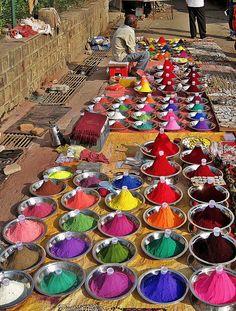 powder dyes, market in Orchha, Madhya Pradesh state, India