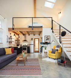 A work-at-home couple took down a dilapidated garage in their North Portland backyard to build a guesthouse they use as an office and for friends, Airbnb guests and community workshops. loft A new cottage takes the place of an old garage (photos) Garage Apartment Interior, Apartment Design, Garage Studio Apartment, Apartment Therapy, Interior Livingroom, Kitchen Interior, Tiny House Loft, Tiny House Living, Small Living