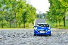urbanIt sure would make your day! -  지친 하루를 달래줄 도심 속 힐링 공간- #urban #healing #tree #road #citylife #driving #traveling #Yeouido #car #carinstagram #diecast #AVANTE #Elantra #Hyundai