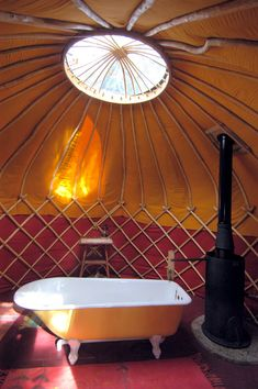 yurt w/ a bathtub...this is where I want to live!