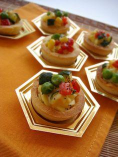 DOLCEmente SALATO: Cestini di frolla con verdure al forno e crema pasticcera salata montersino