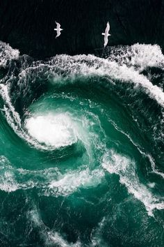 Saltstraumen, Nordland, Norway (by Thomas Kleine). Ocean spiral beauty.