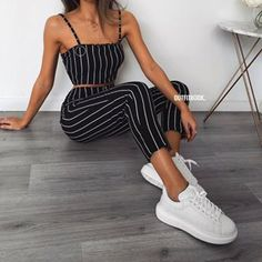 Our striped sets are finally back in stock in black and white 😍😍 #swipe 🔎Top:7801 | Pants: 7800 | www.outfitbook.fr